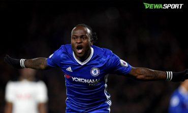 Victor Moses Kawal Chelsea Pimpin Klasemen Liga Primer Inggris