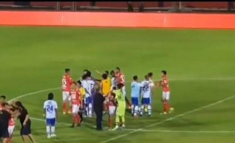 Waduh, Asisten Pelatih Persib Bandung Ini Terlibat Perselisihan dengan Pemain Bali United