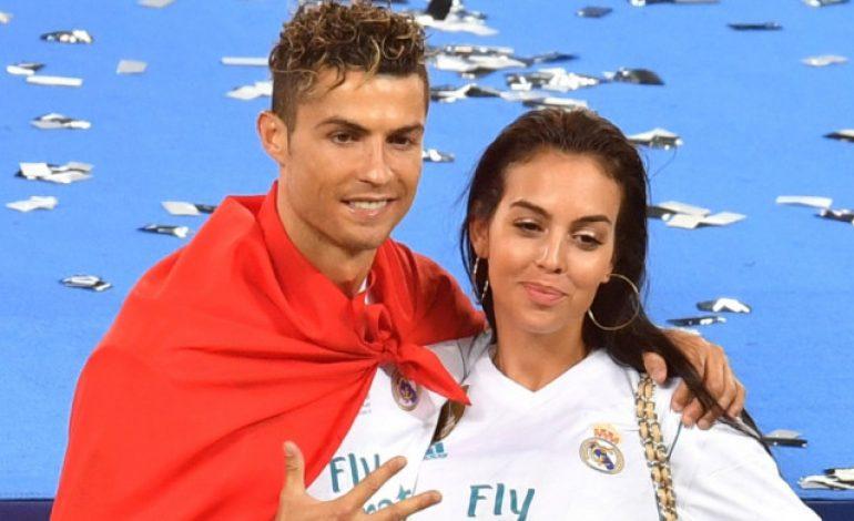 Tanpa Ronaldo, Begini Gaya Konyol Georgina Rodriguez Menikmati Harinya