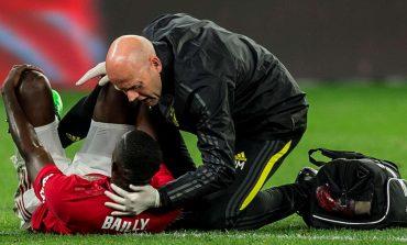 Cedera Lutut, Eric Bailly Diprediksi Menepi Hingga Lima Bulan
