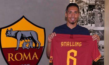 Manchester United Resmi Pinjamkan Chris Smalling ke AS Roma