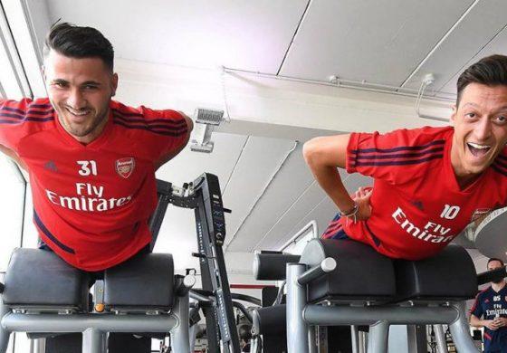 AC Milan dan Inter Milan Berebut Ingin Boyong Mesut Ozil dari Arsenal