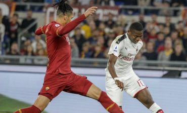 Tak Mau Disalip Arsenal, Roma Siap Nego Transfer Smalling dari Man United