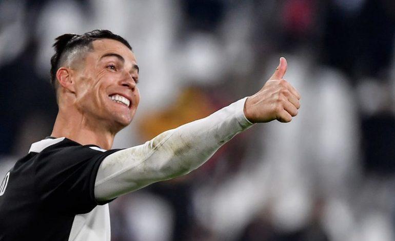 Pemanasan Sebelum Gabung Latihan Juventus, Cristiano Ronaldo Ajak Sang Anak Berlatih Tandem