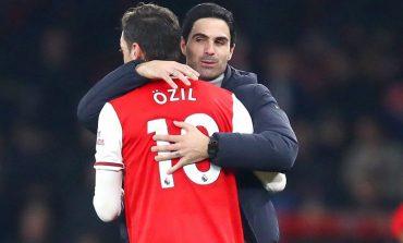 Depak Mesut Ozil dari Skuad Arsenal, Mikel Arteta: Saya Sudah Berusaha Sebaik Mungkin
