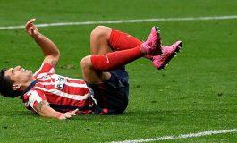 Atletico Ditekan Barcelona-Madrid, Luis Suarez Malah Cedera