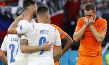 Fans Ramai-ramai Memuji Kehebatan Ceko: Ampuh, Pasukan Jeruk Dijadiin Ayam Sayur