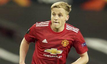 Masih Mau Jadi Hiasan Bangku Cadangan di Manchester United, Wahai Van De Beek?
