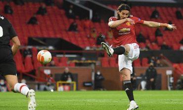 Cavani Diklaim Tak Senang dengan Kepulangan Ronaldo ke Man United