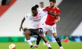 Manchester United Rayu Gelandang AC Milan