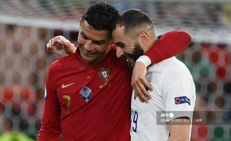 Cristiano Jagokan Benzema Raih Balon d'Or 2021