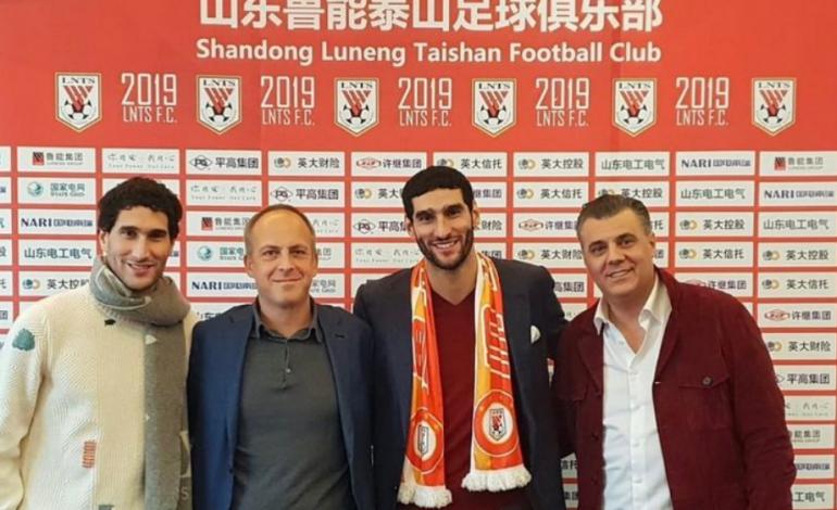 Manchester United Resmi Melepas Fellaini ke Liga China