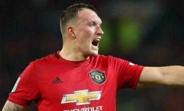 Alasan Phil Jones Tolak Liverpool untuk Gabung Manchester United