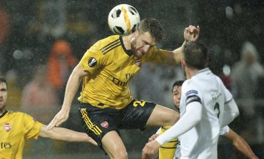 Arsenal Resmi Lepas Shkodran Mustafi ke Schalke Secara Permanen